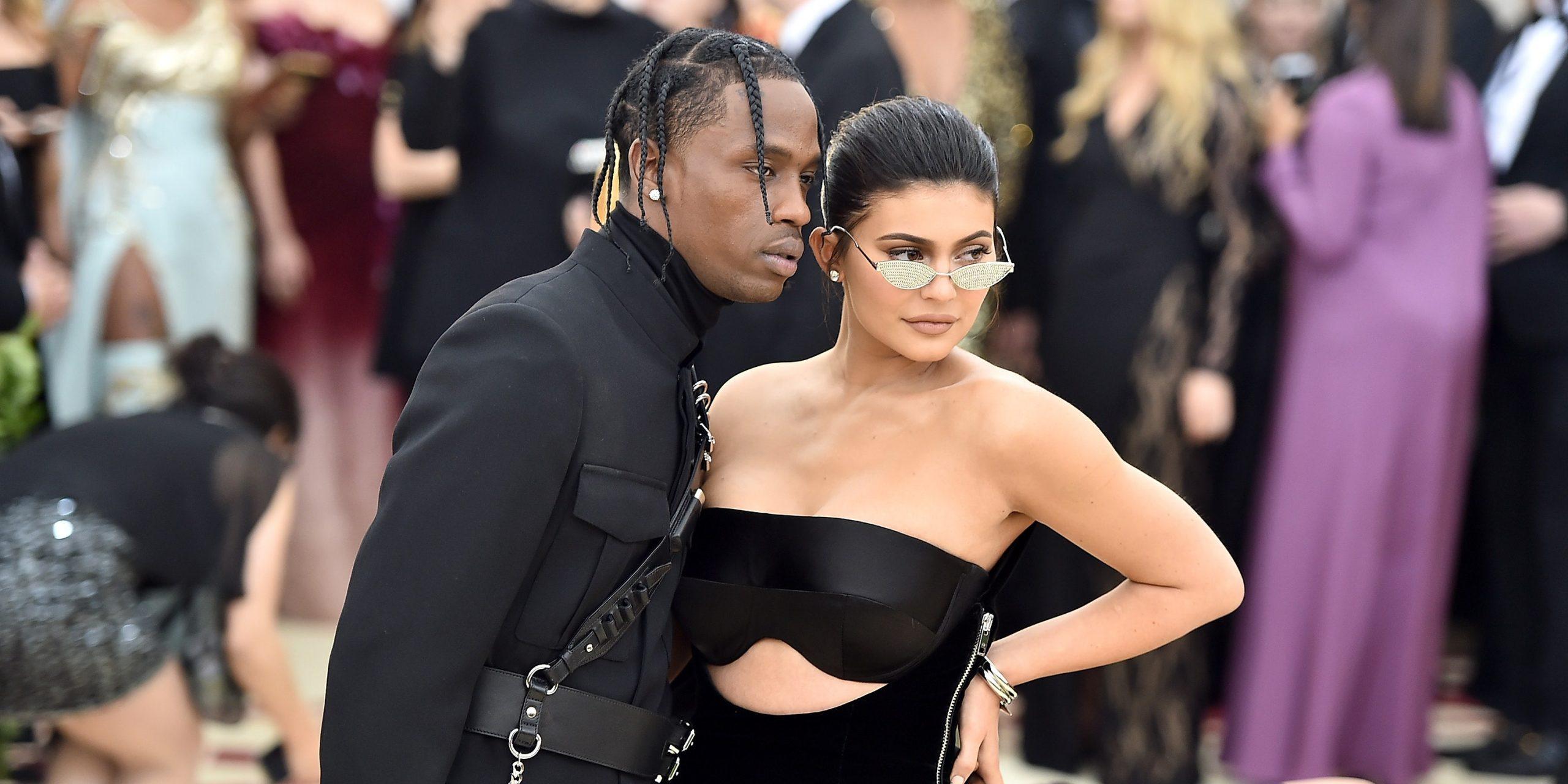 Kylie Jenner mang thai con thứ hai