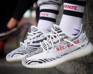 Giày Yeezy một trong những mặt hàng bị làm giả nhiều nhất