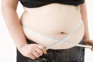 Những điểm lưu ý khi phối đồ cho những người béo bụng