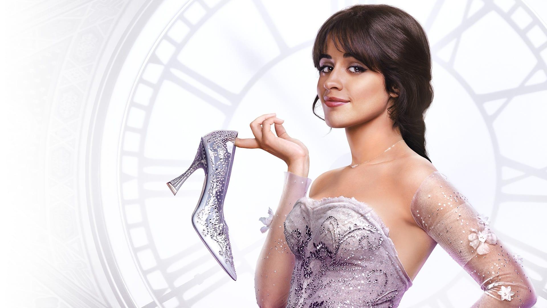 Cinderella 2021 là câu chuyện của cô gái trẻ bận rộn với ước mơ xây dựng đế chế thời trang của riêng mình