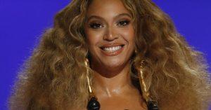 Beyoncé chia sẻ về đời tư tuổi 40 và hé lộ về sản phẩm âm nhạc mới